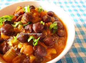kala chana curry, black chickpeas curry, black garbanzo beans curry, black channa gravy, north indian curry recipe