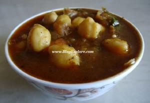 punjabi chole, chana masala, chickpea curry, north indian recipe, side dish for roti, chaat recipe, chole masala, bhatura masala