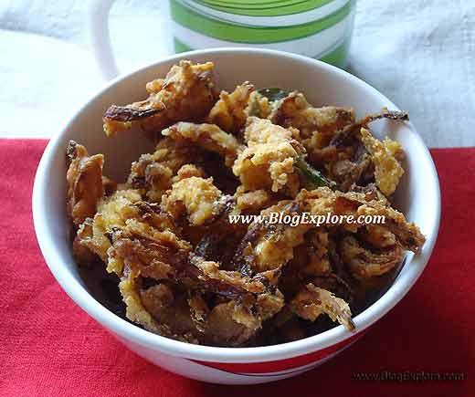 blogexplore.com crispy onion pakoda Crispy Onion Pakoda