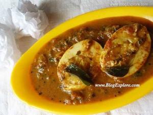 Spicy Chettinad Egg Curry / Muttai Kuzhambu