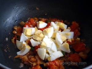 adding boiled anda for boiled egg bhurji