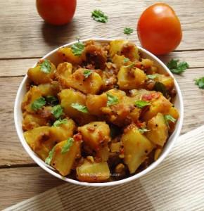 Potato Tomato Fry / Urulai Kizhangu Poriyal