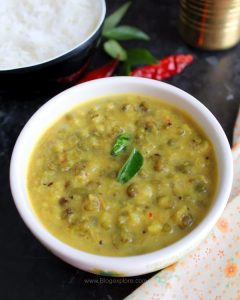 whole green gram coconut curry recipe, kerala style cherupayar curry, south indian green moong dal coconut curry