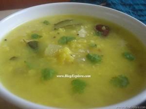 Mango Moong Dal / Mamidikaya Pesarapappu Recipe