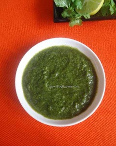 green chutney for chaat recipe, coriander mint chutney, hari chutney recipe