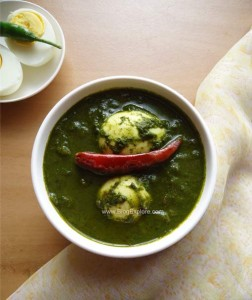 Spinach Egg Curry / Palak Anda Curry