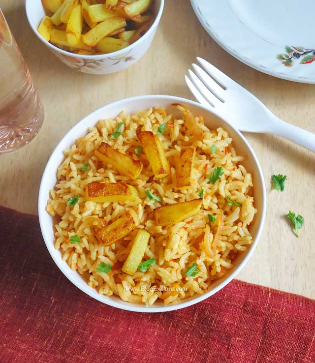 Potato fried rice indian recipes blogexplore potato fried rice recipe forumfinder Images
