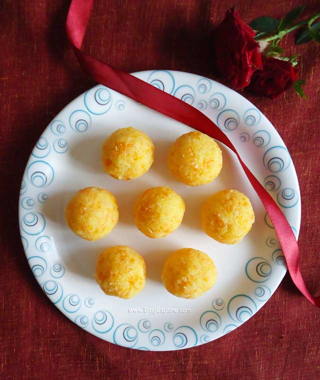 carrot coconut ladoo recipe, nariyal gajar laddu recipe