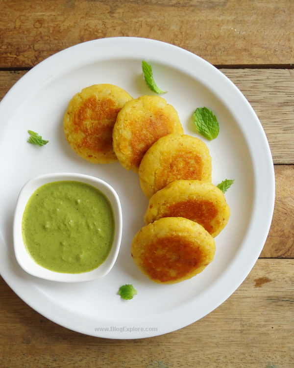 Aloo Tikki recipe - a delicious North Indian street food. These are pan-fried spiced potato patties that serve great as a snack.