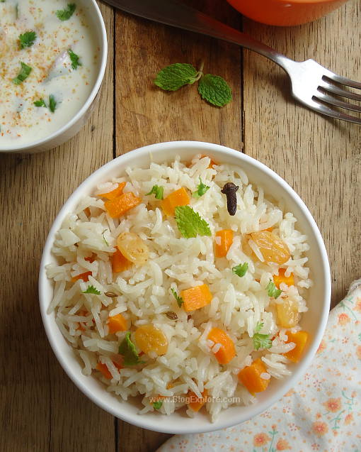 Carrot Pulao recipe - lightly spiced easy one-pot meal of rice and carrots