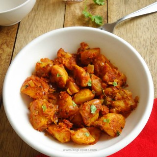 Tawa Aloo Masala - a flavorful North Indian style dry potato curry with aromatic spices