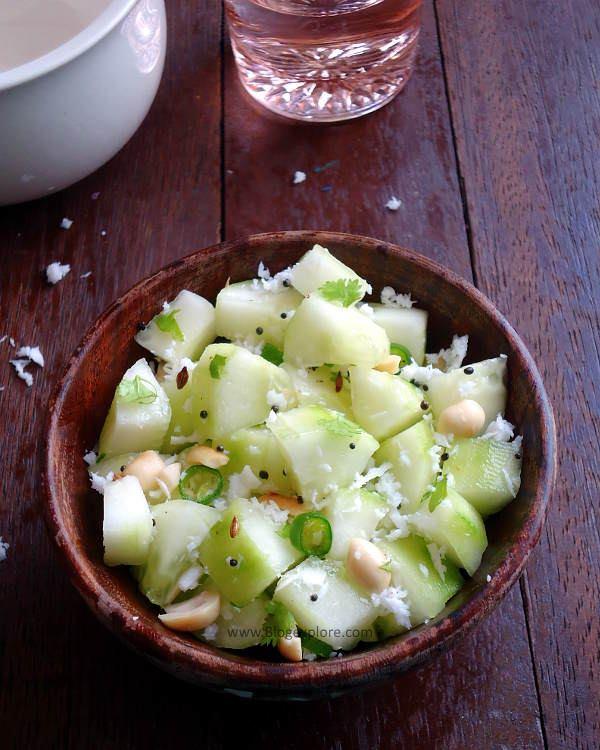 Khamang Kakdi recipe - a refreshing Maharashtrian salad using cucumbers, peanuts and coconut.