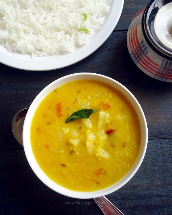 cabbage pappu recipe, cabbage dal - easy Andhra style cabbage and lentils curry