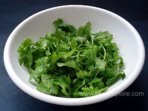 coriander leaves for making green coconut chutney