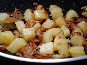 potatoes fried for mint pulao