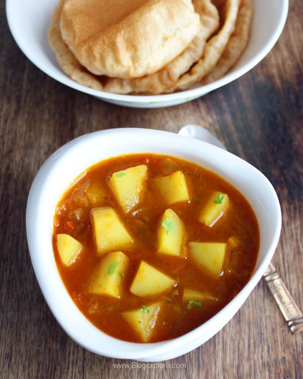 aloo tamatar sabzi recipe, potato tomato curry recipe, north indian style side dish for pooris or chapathis