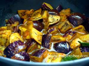 cooking kathirikkai for brinjal fry